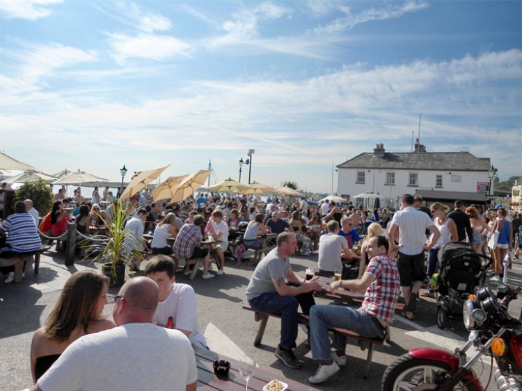 The Peterboat Leigh On Sea Essex Reviews Opening Times